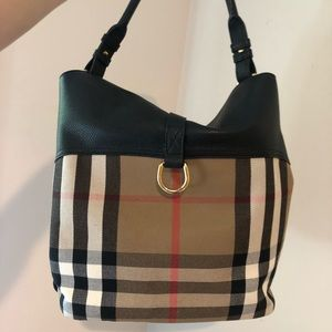 589638ae65 Burberry Bags - SOLD! Burberry 'Medium Sycamore' Check Print Hobo